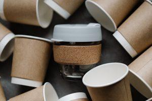 Les gobelets en carton : avantages et inconvénients