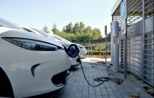 Comment fonctionne une borne de recharge électrique de voiture?